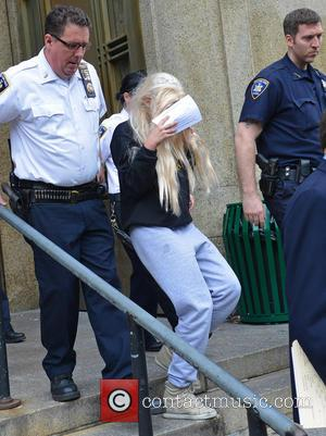 Amanda Bynes Forced To Undergo Mental Health Evaluation After Setting A Fire In The Middle Of A Driveway