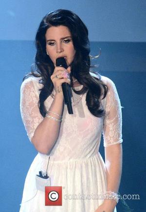 Sick Lana Del Rey Axes Show