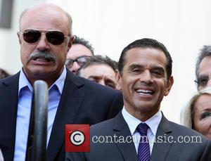 Phil McGraw and Mayor Antonio Villaraigosa - David Foster Honored With Star On The Hollywood Walk Of Fame - Hollywood,...