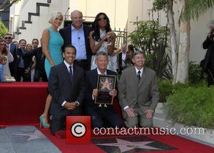 Yolanda Hadid, Phil Mcgraw, Mayor Antonio Villaraigosa, Natalie Cole and David Foster