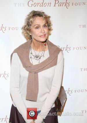 Lauren Hutton: 'Retouched Photos Make Me Look Like A Barbie Doll'