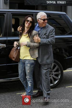 Mitch Winehouse - Mitch Winehouse spotted out and about in Central London - London, United Kingdom - Thursday 6th June...