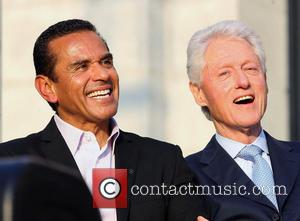 Antonio Villaraigosa and Bill Clinton