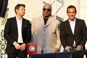 Ryan Seacrest, Stevie Wonder and Mayor Antonio Villaraigosa