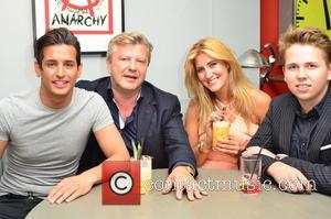 OLLIE LOCKE, MARK FULLER, FRANCESCA HULL and GUEST - Francesca Hull celebrates her Birthday Party at Retro Feasts - Inside...