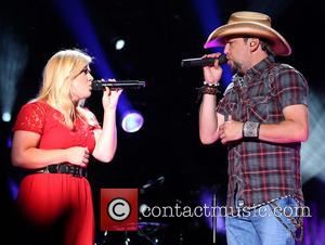 Kelly Clarkson and Jason Aldean - The 2013 CMA Music Festival Day 3 - Performances - Nashville, TN, United States...