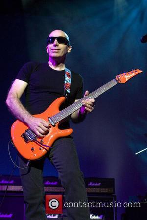 Joe Satriani Penning Memoir