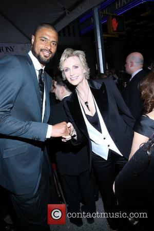 Tyson Chandler and Jane Lynch