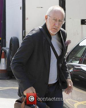 Pete Townshend - The Who arrive at the Odyssey Complex Arena in Belfast - Belfast, Northern Ireland - Monday 10th...