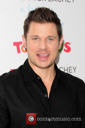 Nick Lachey - Nick Lachey meets fans at 'Toys R Us' for the release of his new album