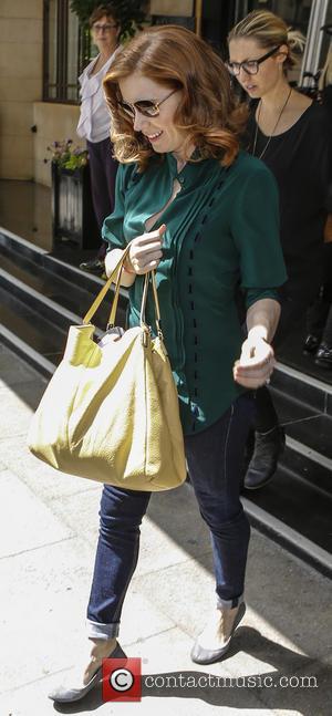 Amy Adams - Amy Adams leaving her hotel