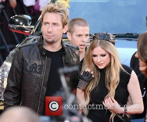Chad Kroeger Teared Up During Wedding To Avril Lavigne
