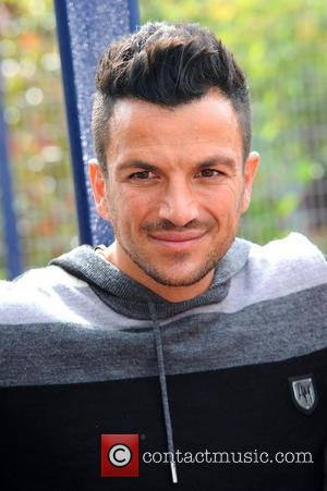 Peter Andre - Peter Andre and Karen Millen visit a hospice ahead of next month's festival Music On The Hill,...