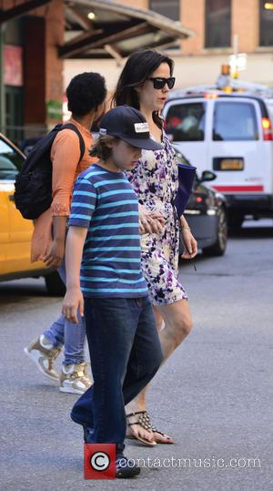 Mary Louise Parker - Mary Louise Parker and her children are seen out and about in Manhattan - New York,...
