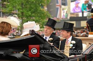 Captain David Bowes-lyon, Mrs David Bowes-lyon, John Warren and Lady Carolyn Warren