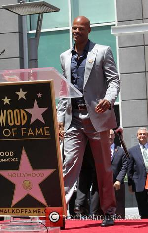 Keenen Ivory Wayans - Jennifer Lopez is honoured with the 2,500th star on the Hollywood Walk of Fame - Hollywood,...