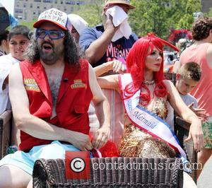 Judah Friedlander and Queen Mermaid Carole Radziwill