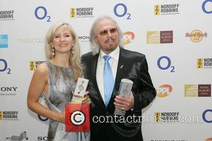Barry Gibb and Alison Balsom