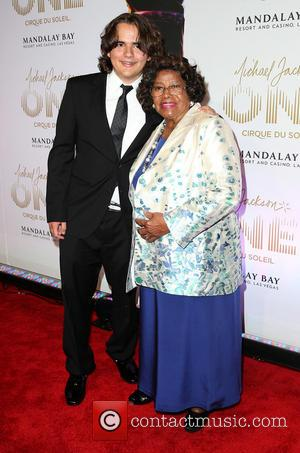 Katherine Jackson and Prince Jackson - World premiere of 'Michael Jackson One' at Mandalay Bay Hotel & Casino - Arrivals...