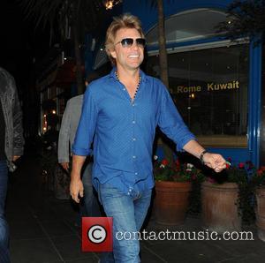 Jon Bon Jovi - Jon Bon Jovi leaving Signor Sassi italian restaurant in Knightsbridge - London, United Kingdom - Monday...