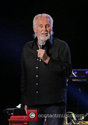 Kenny Rogers - Kenny Rogers performing at Manchester O2 Apollo - Manchester, United Kingdom - Tuesday 2nd July 2013