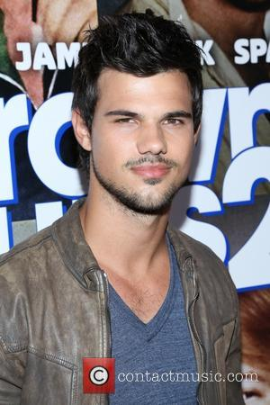 Is Taylor Lautner Dating 'Tracers' Co-Star Marie Avgeropoulos?