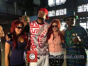 Carla Howe, Melissa Howe, Bishop Don Magic Juan and Method Man - Behind the scenes pics for Snoop Lion and...
