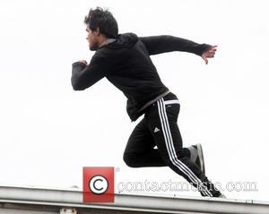 Taylor Lautner - Taylor Lautner on movie set 'Tracers' in Hackensack - Hackensack, NJ, United States - Wednesday 10th July...