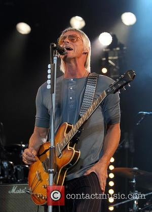 Mail Online Pay Paul Weller £10,000 Over Paparazzi Photographs