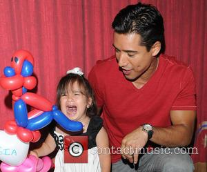 Mario Lopez and Gia