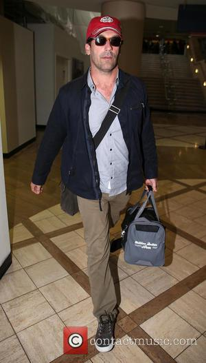 Jon Hamm - A casually dressed Jon Hamm arrives at LAX airport - Los Angeles, CA, United States - Saturday...
