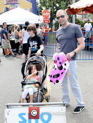 Jon Cryer - Actor Jon Cryer spotted at the Farmers Market with his wife, Lisa Joyner and kids in Studio...