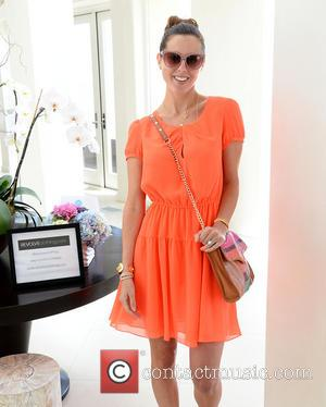 Eva Amurri - Eva Amurri visits the Revolve Clothing Beach House - Los Angeles, CA, United States - Wednesday 17th...
