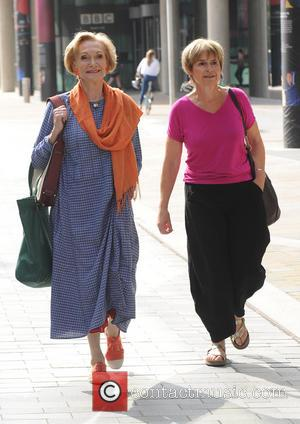 Sian Phillips and Brigit Forsyth