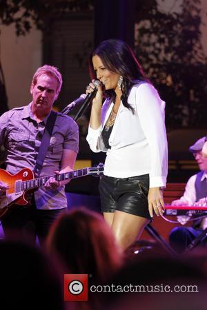 Sara Evans - Sara Evans Performs at the Grove - West Hollywood, CA, United States - Thursday 18th July 2013