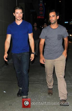 Matt Leinart and Josh Henderson