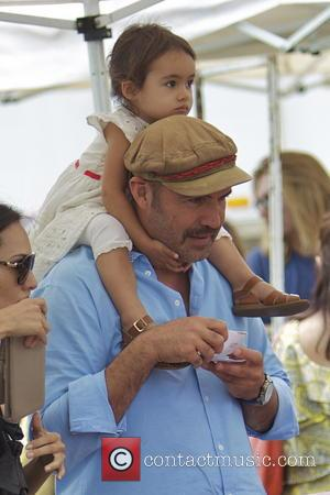 Billy Zane - Billy Zane and daughter Ava Katherine Zane are seen at a farmer's market - Studio City, CA,...