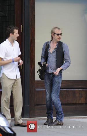 Rhys Ifans - Rhys Ifans outside his Manhattan hotel - Manhattan, NY, United States - Wednesday 24th July 2013