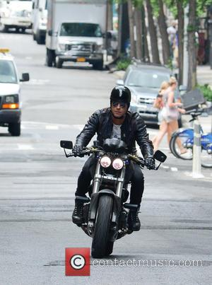 Justin Theroux - Justin Theroux takes his motorcycle for a spin in Manhattan - New York City, NY, United States...