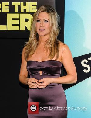 Newlywed Jennifer Aniston Reportedly Signs $5 Million Deal To Be Face Of Emirates Airlines
