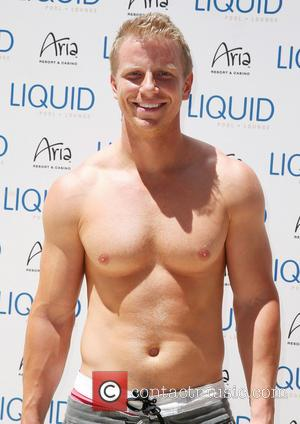 Sean Lowe - Sean Lowe continues his party weekend at Liquid Pool Lounge at Aria - Las Vegas, Nevada, United...