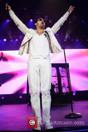Joe Jonas - Jonas Brothers perform live in Tampa