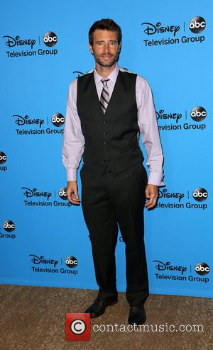 Scott Foley - Disney & ABC TCA summer press tour held at Beverly Hilton Hotel - Arrivals - Los Angeles,...