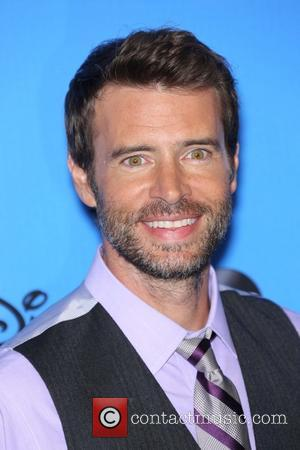 Scott Foley - Disney & ABC TCA summer press tour held at Beverly Hilton Hotel - Arrivals - Beverly Hills,...