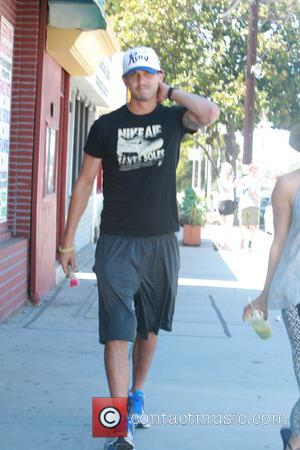 Ryan Sweeting - Actress Kaley Cuoco seen shopping with her rumoured boyfriend tennis player Ryan Sweeting - Los Angeles, CA,...