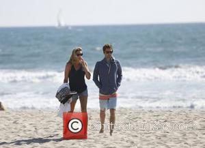 Luke Wilson - Luke Wilson filming the movie 'Ride' with a female companion on Venice Beach in Marnina del Rey...