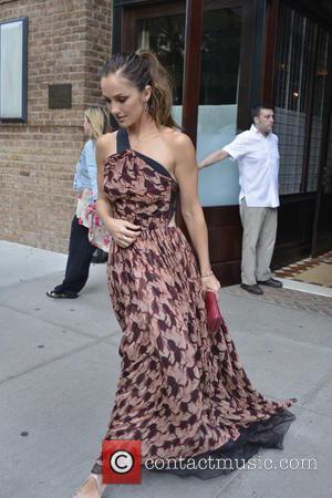 Minka Kelly - Minka Kelly leaves her Manhattan hotel - New York City, NY, United States - Monday 5th August...