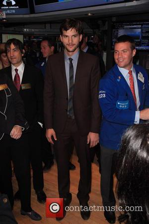 Ashton Kutcher - Ashton Kutcher rings The Opening Bell at the New York Stock Exchange NYSE - New York City,...