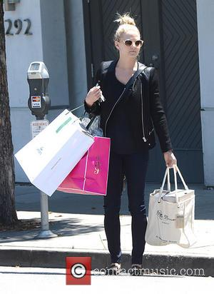 Jennifer Morrison - Jennifer Morrison Shops in Beverly Hills - Los Angeles, CA, United States - Tuesday 6th August 2013