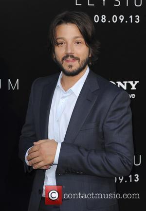 Diego Luna - Premiere of TriStar Pictures' 'Elysium' at Regency Village Theatre in Westwood - Los Angeles, CA, United States...